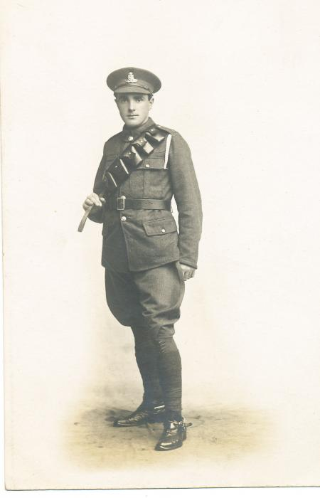 ADX/375/5 Studio photograph of a First World War soldier in uniform